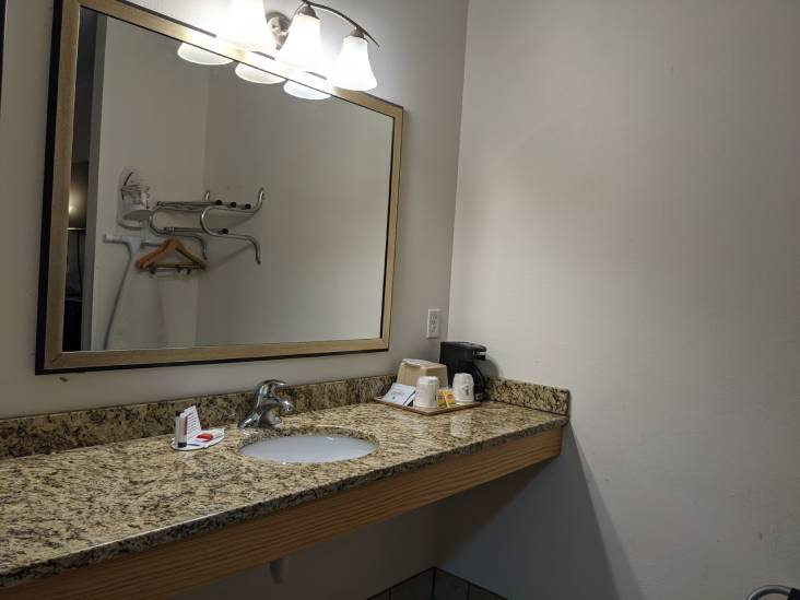 Double Bed Room basin